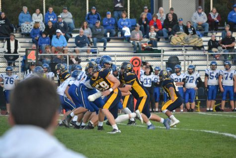 Kick-off to Homecoming: The Jacks faced the Blue Devils in the homecoming football match on Oct. 4. Oakwood lost the match, 35-14.